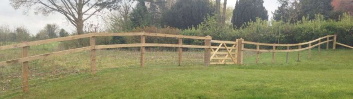 Welcome to Fencewize, specialists in all types of fencing